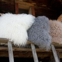 Kissenhülle MONGOLIA 100% Schaffell Grau-Weiß